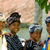 Cute Quartet Photo: Young boys at a cremations grounds react happily to my camera in Ubud, Bali (ARCHIVED PHOTO on the weekends - originally photographed 2006/10/19).